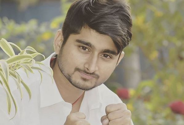 Deepak Thakur Biography