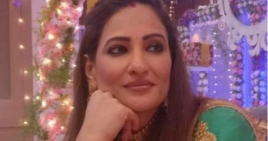Rakshanda Khan Biography